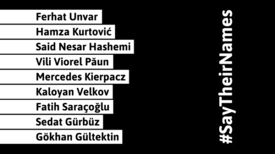 Zu lesen sind die Namen der Opfer des rechtsextremen Anschlags in Hanau vom 19.02.2020. #sytheirnames